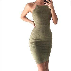 Dresses & Skirts - Spaghetti Strap Bodycon Midi Dress